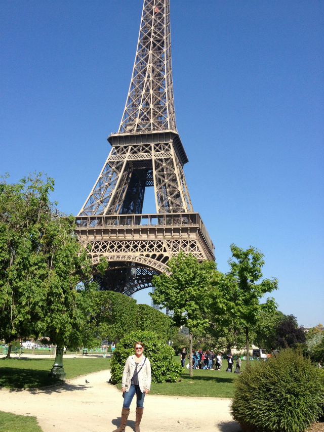 photo of Elizabeth Waters at Eiffel Tower
