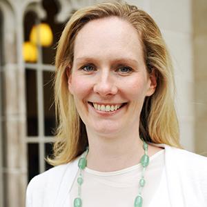 Dr Elise Davis